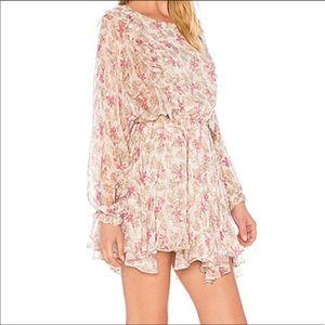 Dresses & Skirts - Beautiful dress 👗 😍